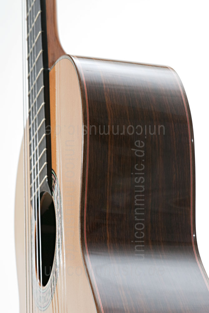 to article description / price Spanish Classical Guitar JOAN CASHIMIRA MODEL 140 Cedar - solid cedar top + solid back