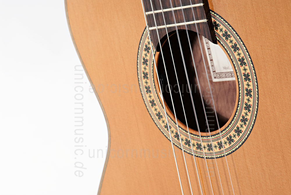 to article description / price Spanish Classical Guitar JOAN CASHIMIRA MODEL 56e E-CE Cutaway Thinline + L.R. Baggs Pickup - solid cedar top