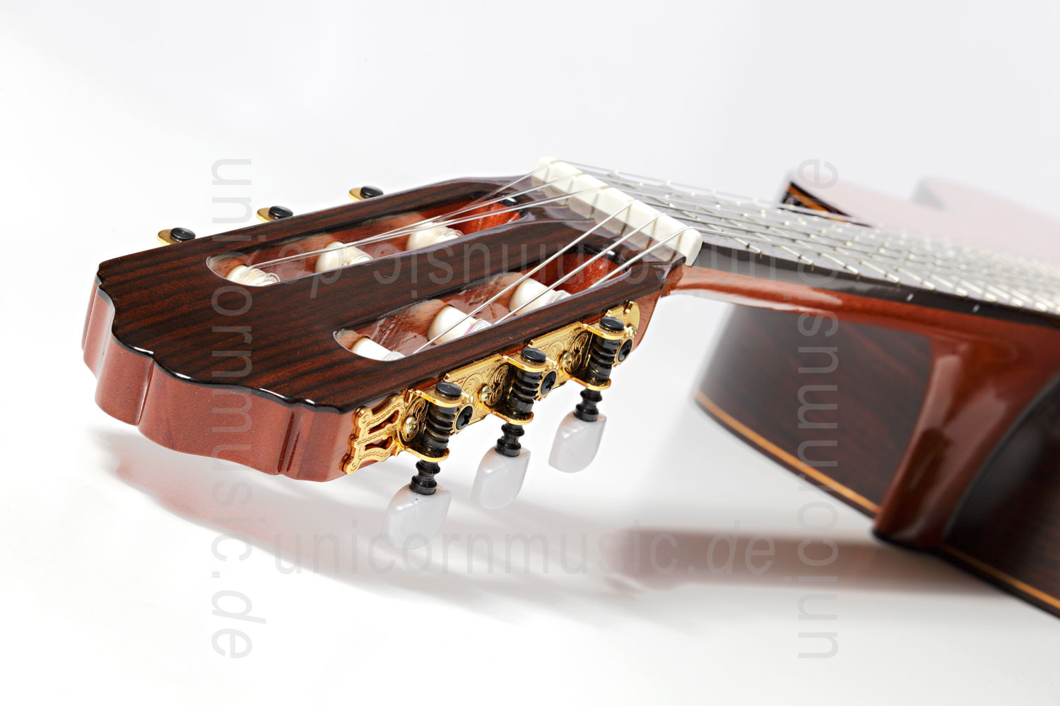to article description / price Spanish Classical Guitar VALDEZ MODEL 7 Cedar - solid top