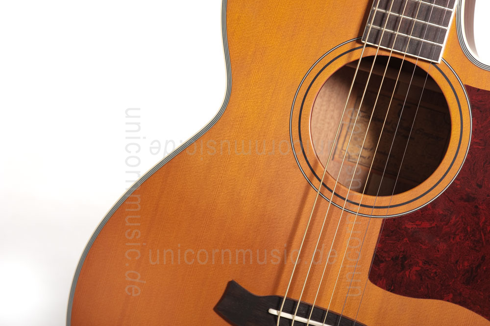 to article description / price Acoustic Guitar TANGLEWOOD TW45/NS E - Sundance Series - Fishman Presys Plus EQ - Super Folk - Cutaway - solid top + back - hardcase